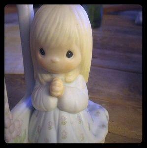Precious moments girl praying